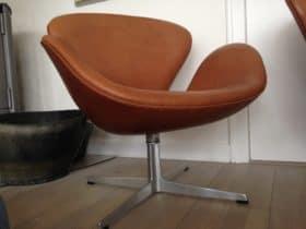 "Arne Jacobsen ""svanen"" i Vacona anilin læder"