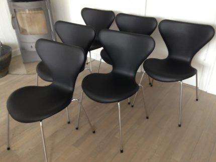 Arne Jacobsen 7 stol i i sort savannelæder