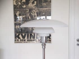 PH standerlampe med opalglas